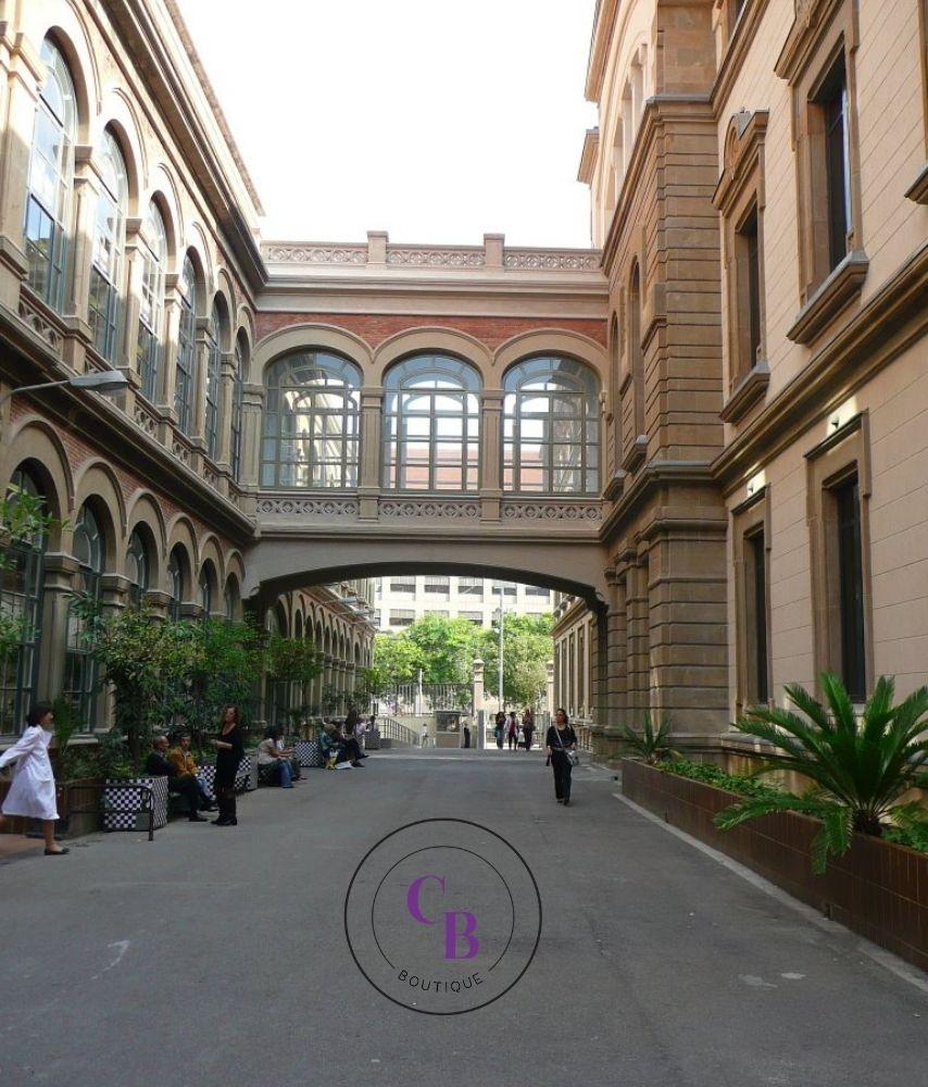 hospital-clinic-barcelona-crystal-bubble-boutique